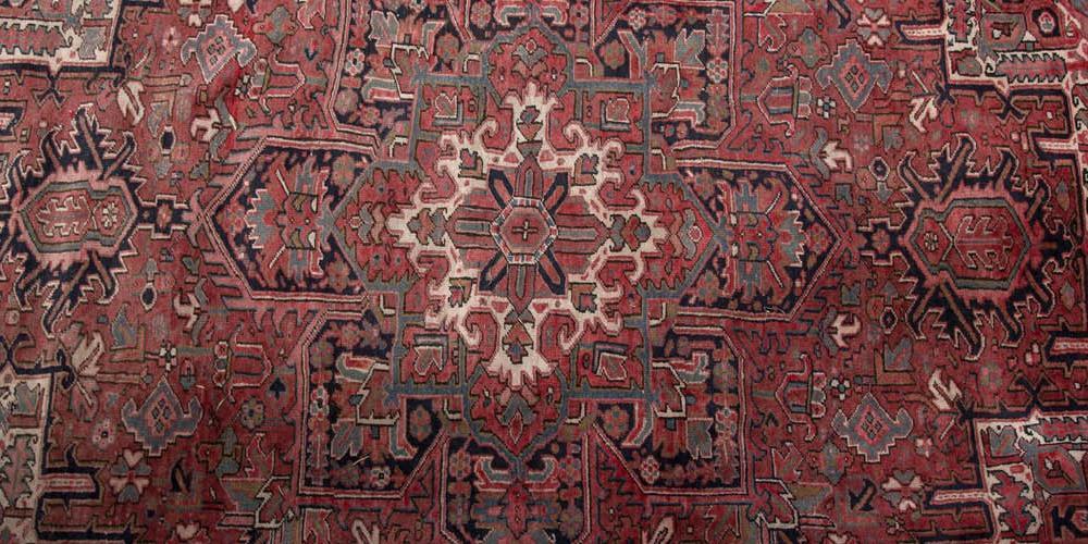 Antique Heriz NW Persia Carpet hand-spun wool
