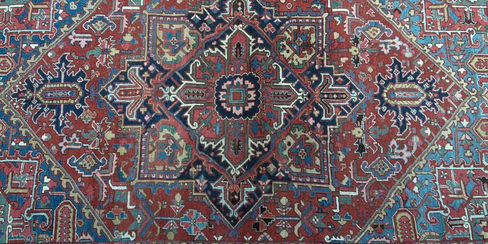 Antique Heriz Persian Carpet hand-spun wool