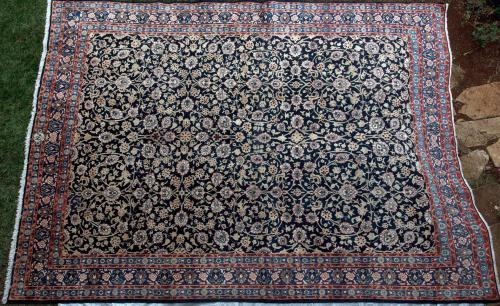 Saroukh or Mashad Persian Carpet Hand-spun wool