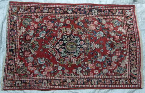 Mahal Sarouk Arak Persian Rug floral hand-spun wool