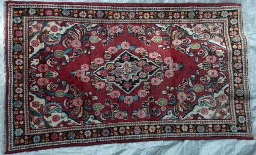 Mahal Sarouk Arak Persian Rug village floral hand-spun wool
