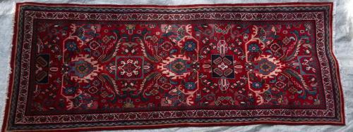 Mahal Sarouk Persian Runner hand-spun wool
