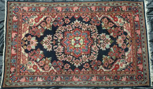 Old Sarouk Mahal NW Persian rug