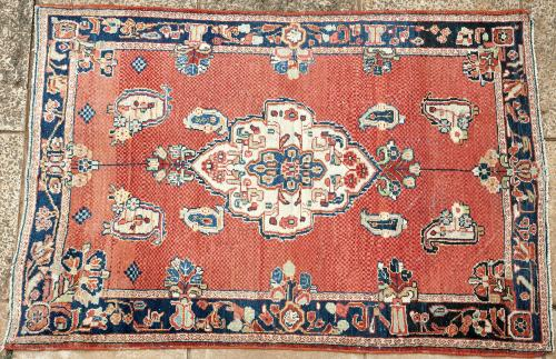Old Malayer or Sarouk Persian rug