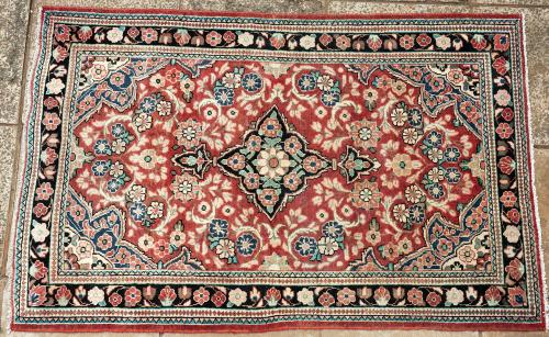 Mahal Persian rug