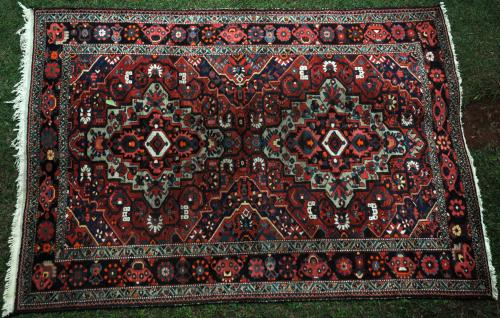 Old Bachtiari tribal Persian Carpet